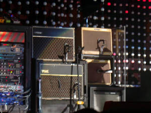 edge_amps-vertigo_tour.jpg